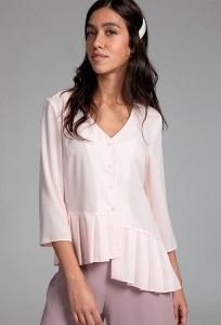 Розовая легкая блузка с V-образным вырезом Emka B2539/laima