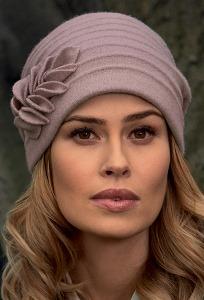 Женская шапка Landre April