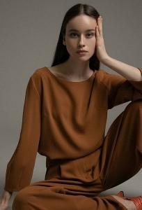 Блуза цвета пряной горчицы Emka B2538/gramer