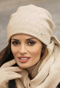 Женская шапка бежевого цвета Kamea Rafaela