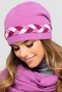 Молодёжная шапка с декоративной косичкой Kamea Garda