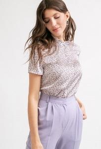 Блузка сиреневого цвета с короткими рукавами Emka B2243/alima