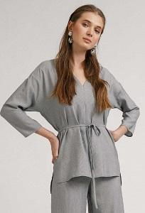 Серая приталенная блузка в полоску Emka B2408/renarda