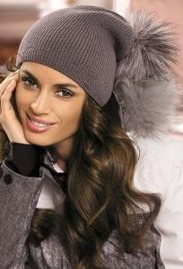 Женская шапочка с меховым помпоном Kamea Jesse