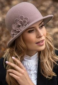 Женская шляпка из шерсти Willi Agos