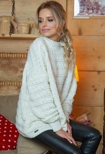 Тёплый свитер оверсаз Fobya F610