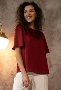 Красная блузка А-силуэта Emka B2513/fibula