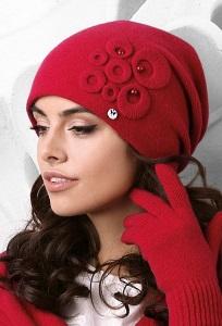 Красная женская шапка Kamea Nicea