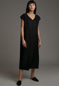 Свободное платье с V-образным вырезом Emka PL1041/plain
