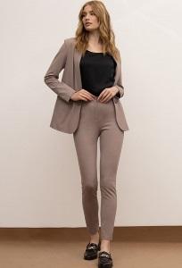 Зауженные трикотажные брюки кофейного цвета Emka D221/muse