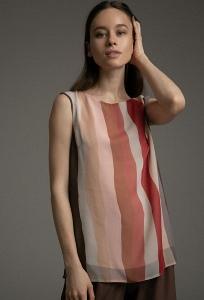 Легкая блуза с разрезами по бокам Emka B2530/kinda
