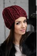 Женская шапка ультракрупной вязки Gulyann Danna
