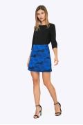 Чёрная юбка А-силуэта с синими цветами Emka S753/amika