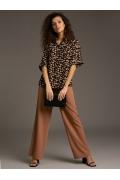 Асимметричная блуза рубашечного кроя Emka B2301/rowan