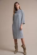 Серое платье свободного кроя в клетку Emka PL1046/surika