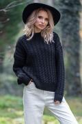 Тёплый чёрный свитер Fobya F591