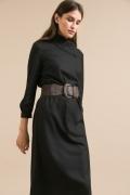 Черное прямое платье с воротником Emka PL960/milena