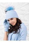 Шапка с помпоном голубого цвета Kamea Mediolan