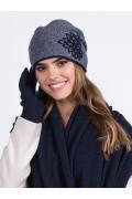 Тёмно-синяя шапка с драпировкой складок Kamea Delta