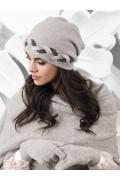 Женская шапка гладкой вязки Kamea Garda