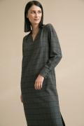 Серое платье в клетку прямого силуэта Emka PL978/moskin