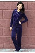 Фиолетовый костюм из велюра