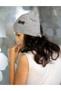 Светло-серая шапка Kamea Doris