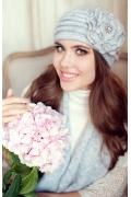 Комплект (шапка и шарф) серого цвета Landre Дина