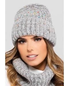 Светло-серая шапка с цветными бусинами Kamea Gijon
