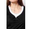 черная блузка с белой окантовкой