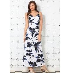 Длинное белое платье с синими цветами