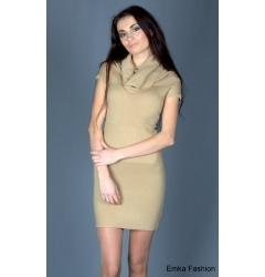 Эффектное платье песочного цвета