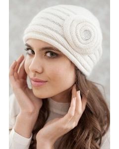 Женская шапочка Landre Франческа молочного цвета