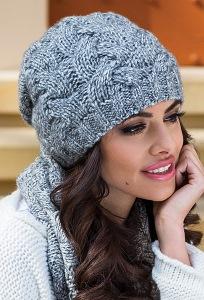 Тёплая женская шапка серого цвета Kamea Luna