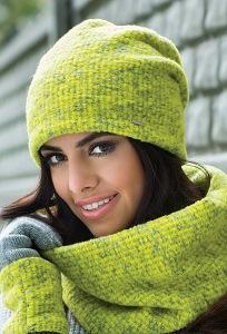 Комплект шапка и снуд салатового цвета Kamea Cornelia
