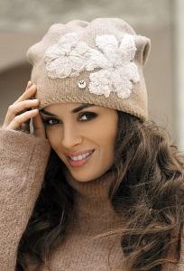 Бежевая шапка Kamea Inez-Medium