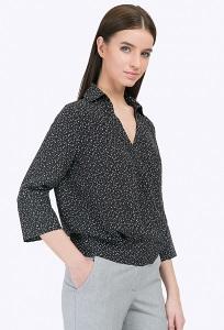 Свободная блузка с открытым воротом Emka B2299/dawn