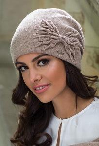 Женская шапочка из шерсти Kamea Lena