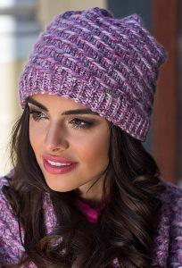 Недорогая женская шапка малинового цвета Kamea Dorota
