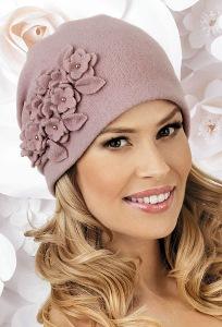 Женская шапка с защипами сзади Landre Michael