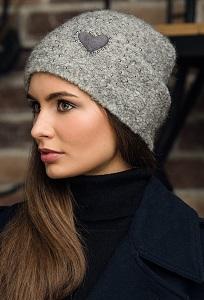 Женская шапка серого цвета Gulyann Heart