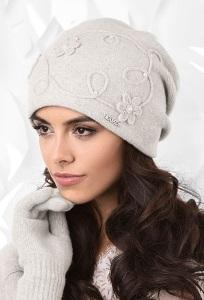 Светло-серая женская шапка Kamea Isernia