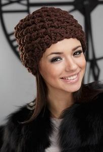Объёмная шапка шоколадного цвета Gulyann Triana