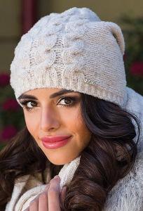 Светло-бежевая женская шапка Kamea Violeta