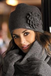 Женская шапочка тёмно-серого цвета Kamea Cruz