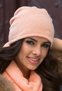 Тёплая мягкая шапка персикового цвета Kamea Suelo