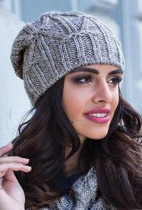 Удлиненная женская шапка серого цвета Kamea Trini