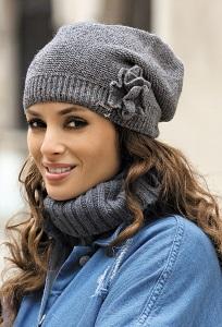 Стильная серая шапка Kamea Jovita