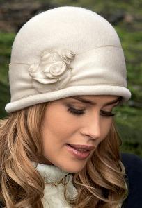 Женская шляпка без полей Landre Aza