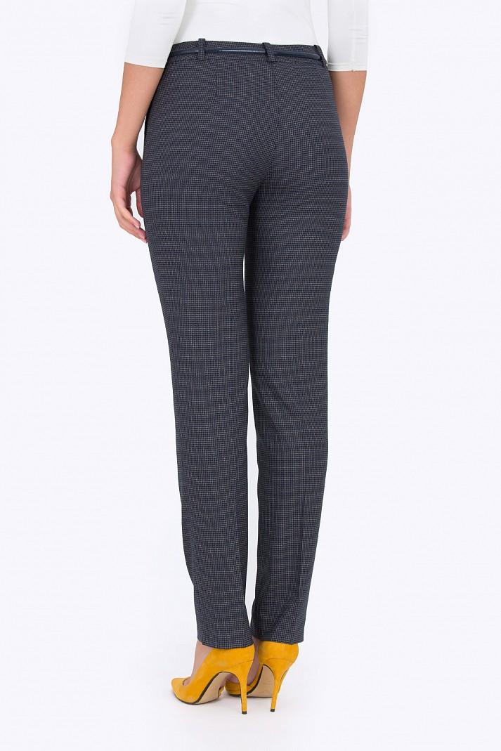 Классические брюки зауженные к низу